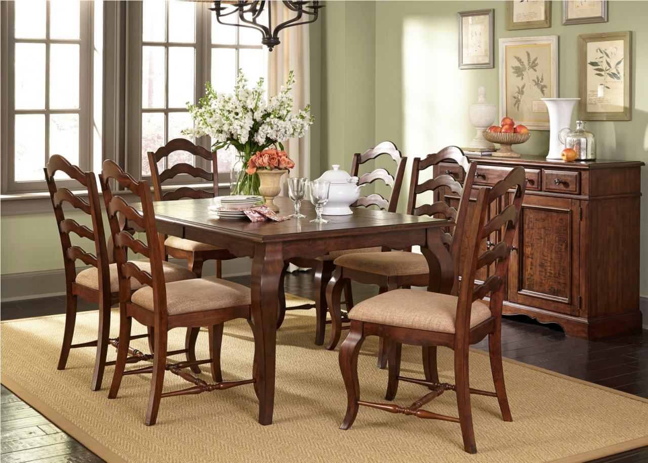 Liberty Furniture Woodland Creek 7 Piece Rectangular Leg Dining Set in Rust Russet